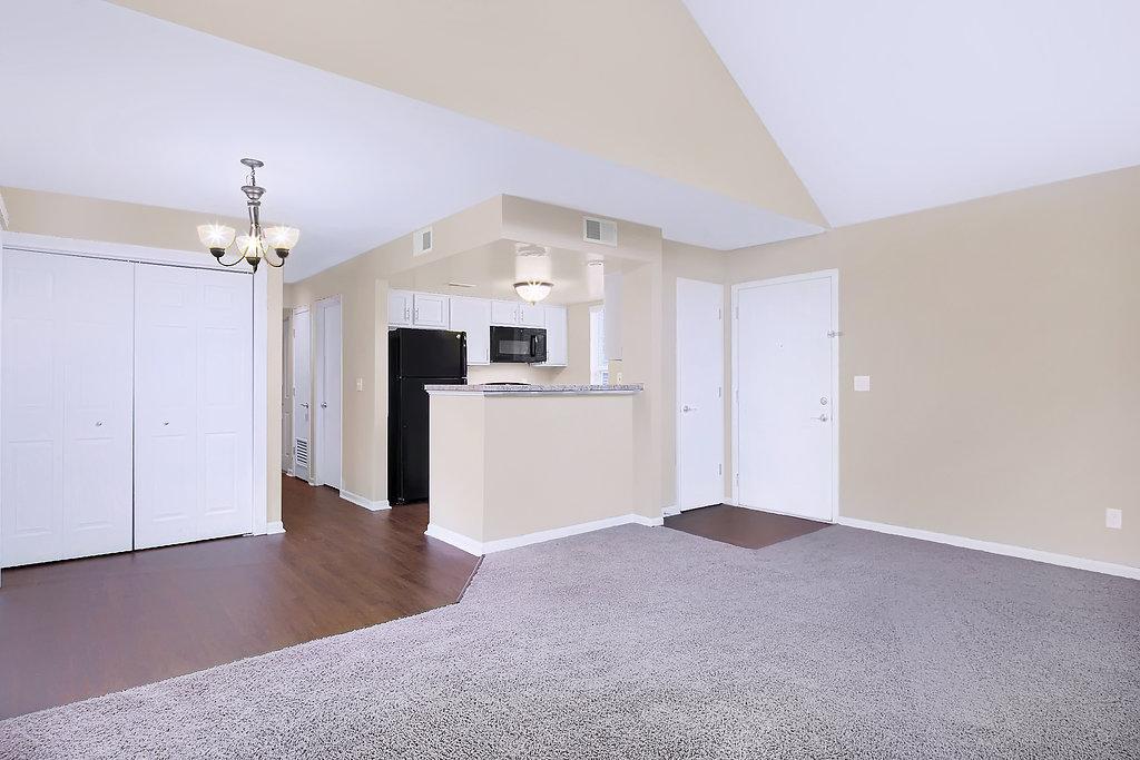 Spacious Floor Plans at Patterson Place Apartments in Saint Louis, Missouri