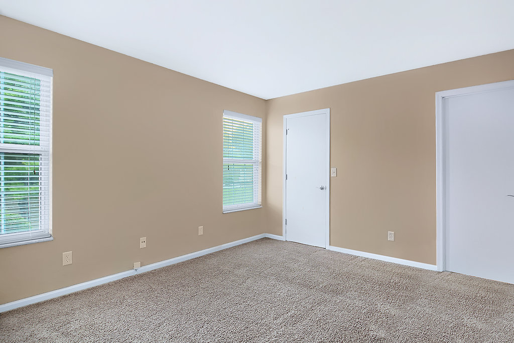 Carpeted Floorings at Patterson Place Apartments in Saint Louis, Missouri