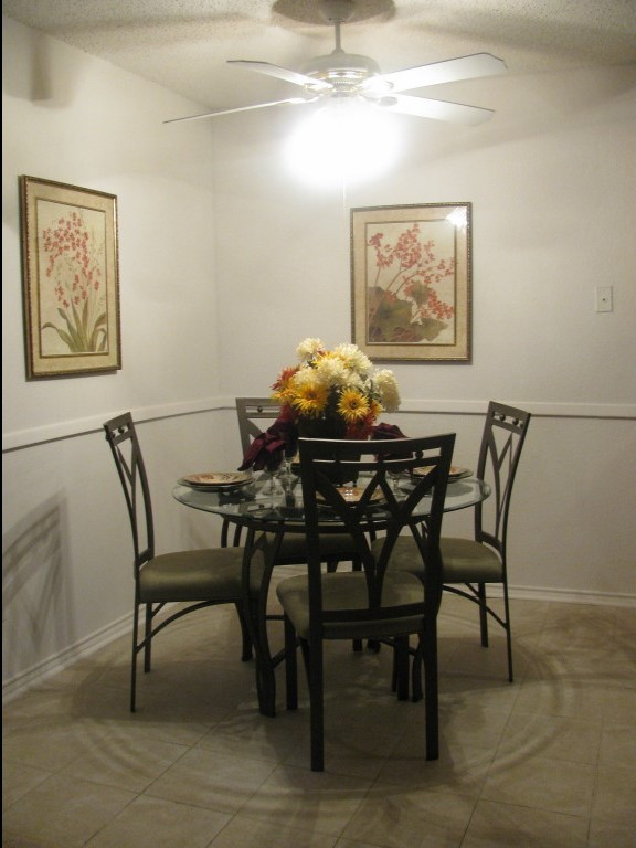 Dining Area at The Residences at Mesa Ridge Apartments in Garland, Texas