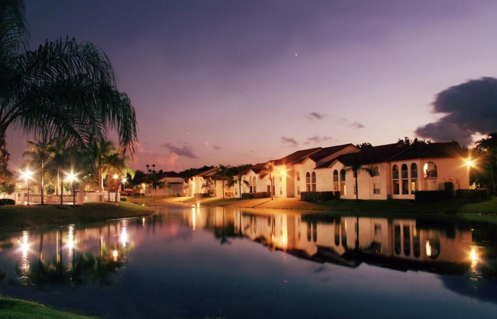 Night View at Pepper Cove Apartments in Miami, FL