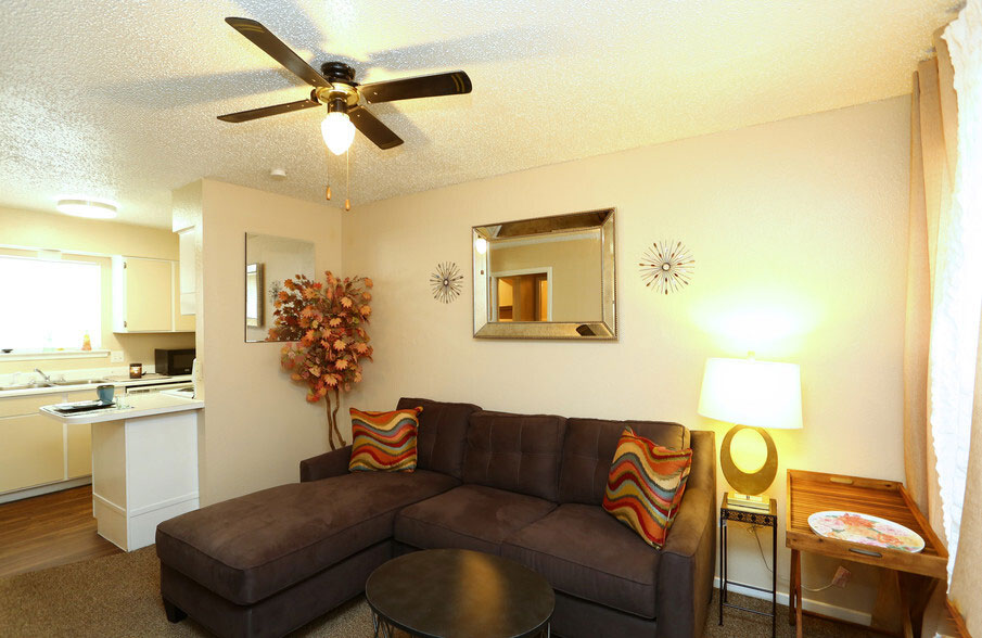 Modern Floor Plans at Peppertree Apartments in Odessa, Texas