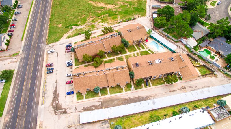 Conveniently Located Community at Peppertree Apartments in Odessa, Texas