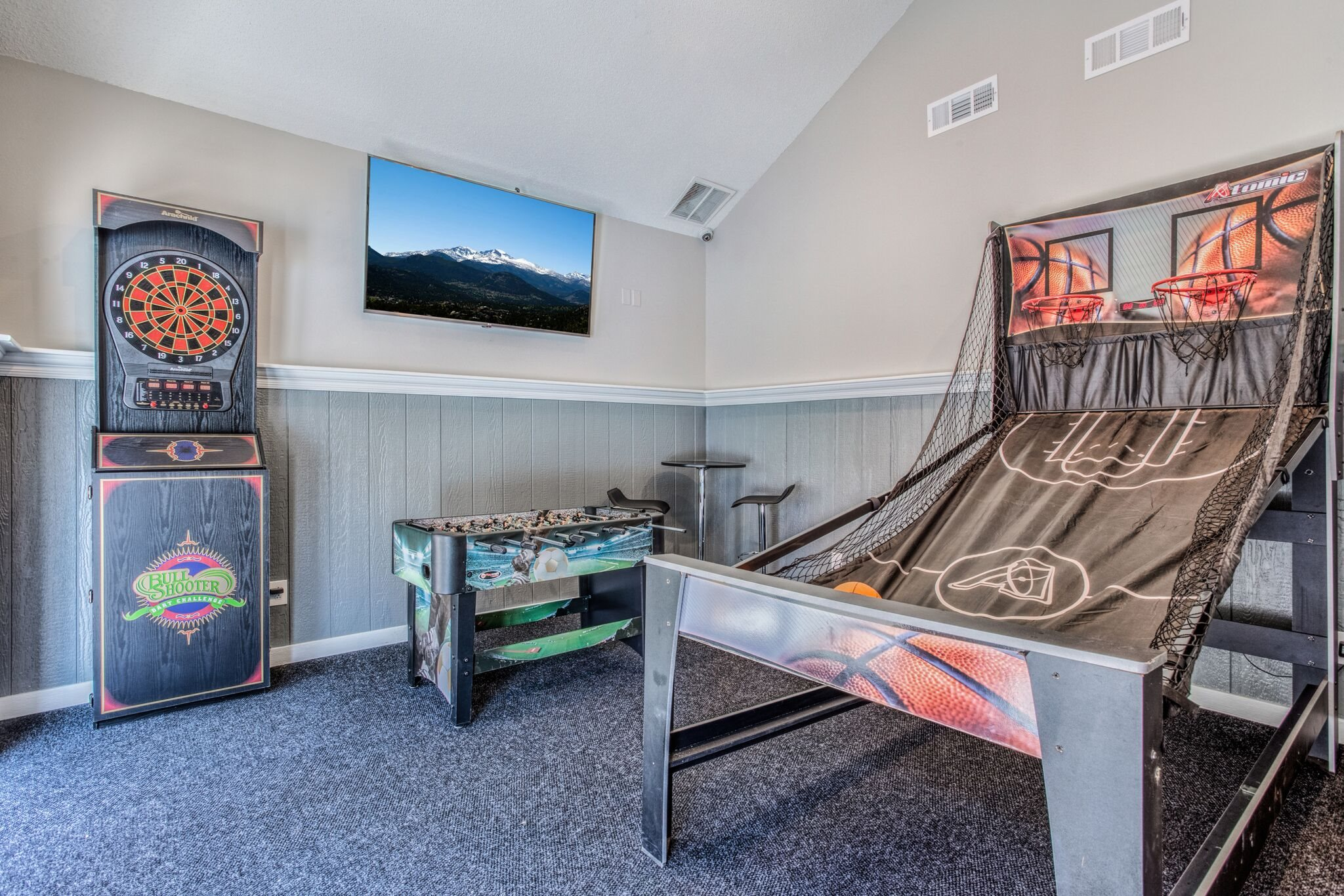 Game Room at Perry 81 Apartments in Overland Park, Kansas