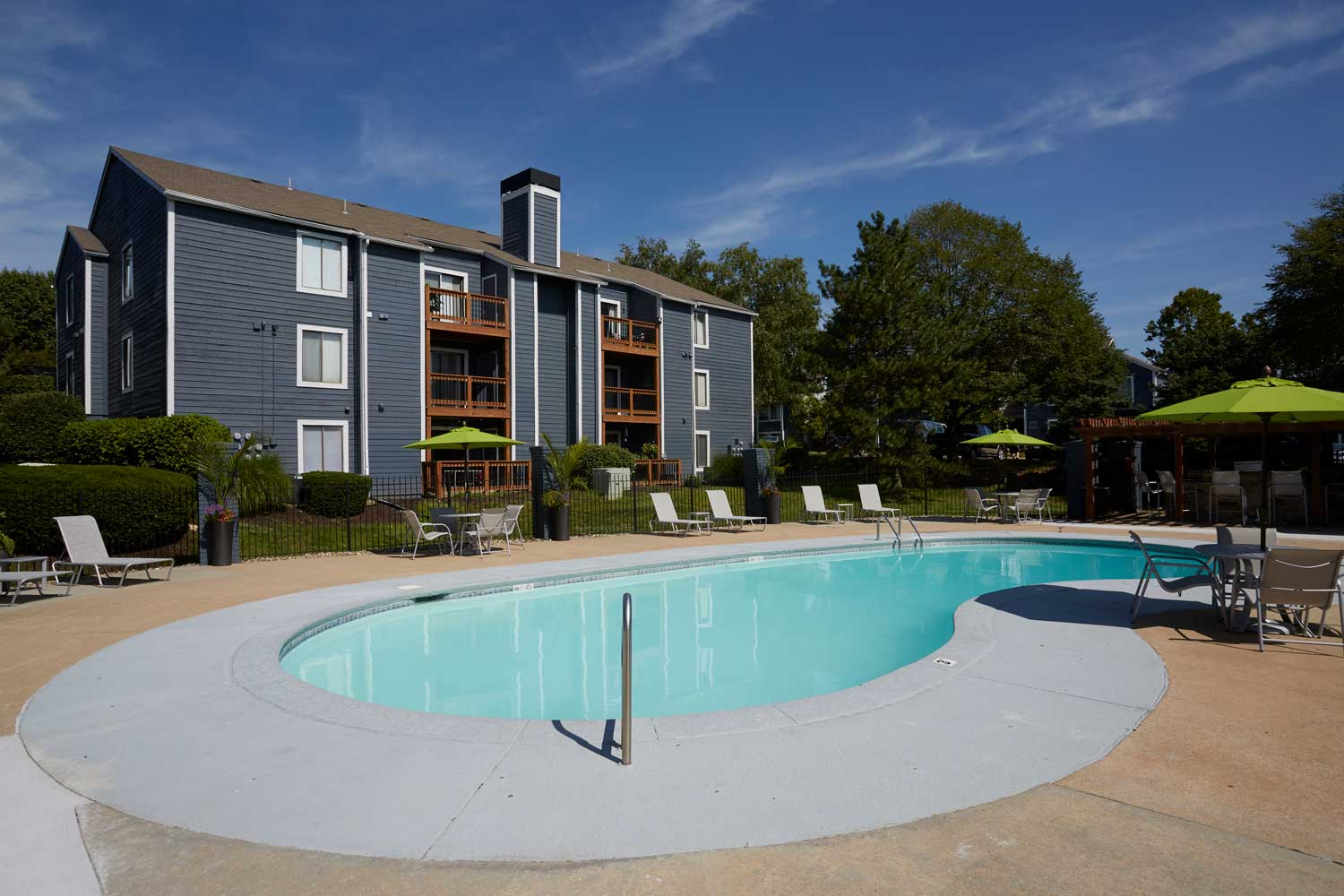 Outdoor Swimming Pool at Perry 81 Apartments in Overland Park, Kansas