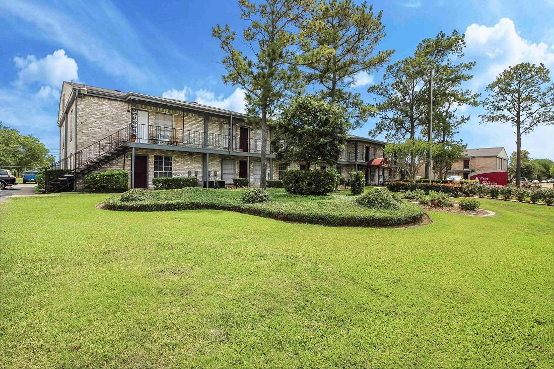 Convenient Houston Apartments at Pine Terrace Apartments in Houston, Texas