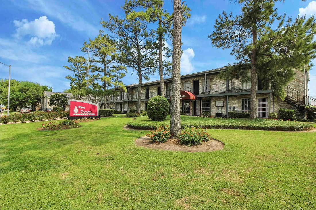 Professional Management at Pine Terrace Apartments in Houston, Texas