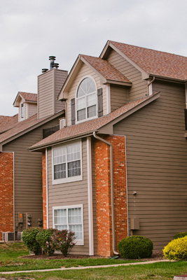 Exterior View at the Polo Downs Apartments in Fenton, MO