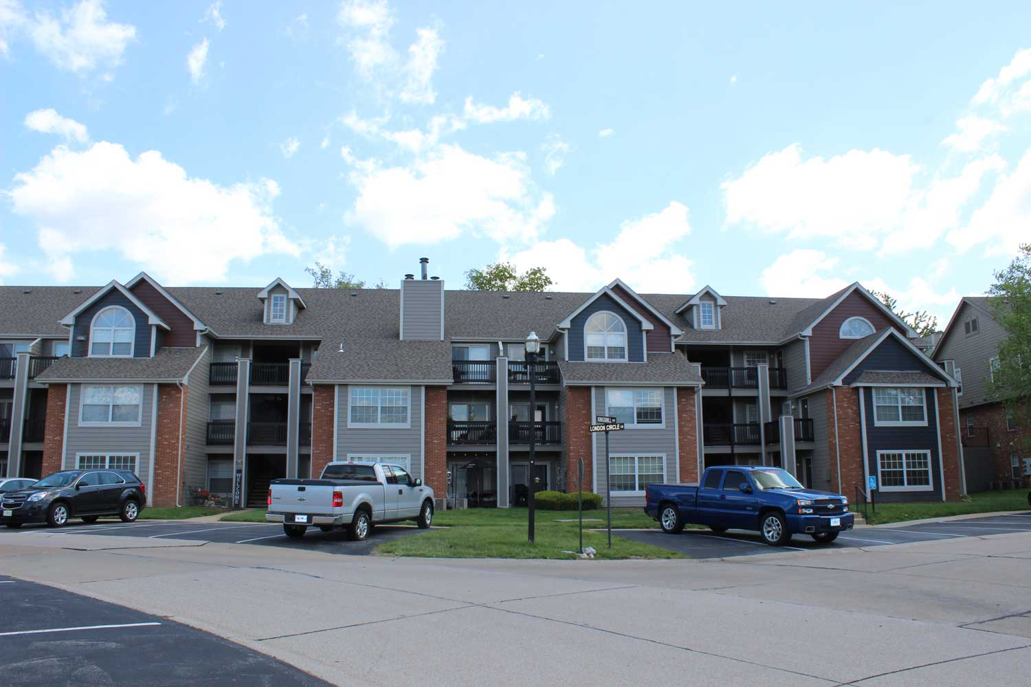 Two Bedroom Apartment at Polo Downs Apartments in Fenton, MO
