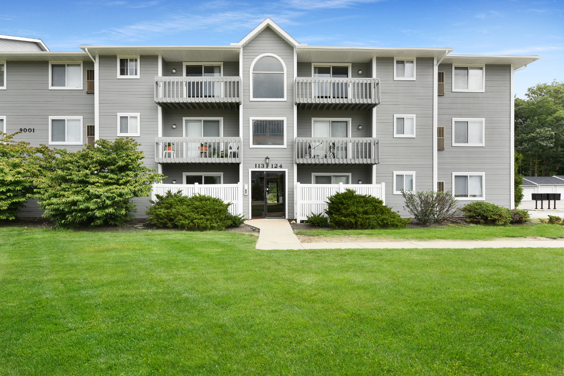 Portage Pointe Apartments