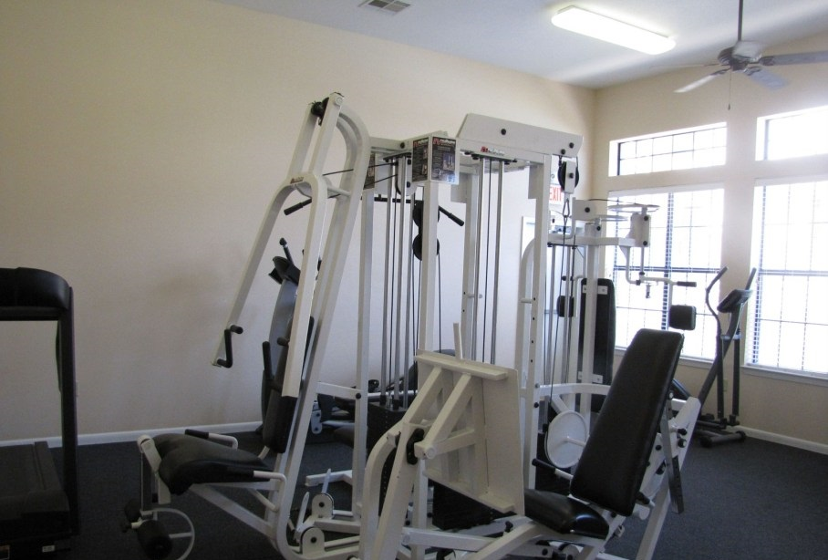 Fitness Center at the Post Oak East Apartments at Euless, TX