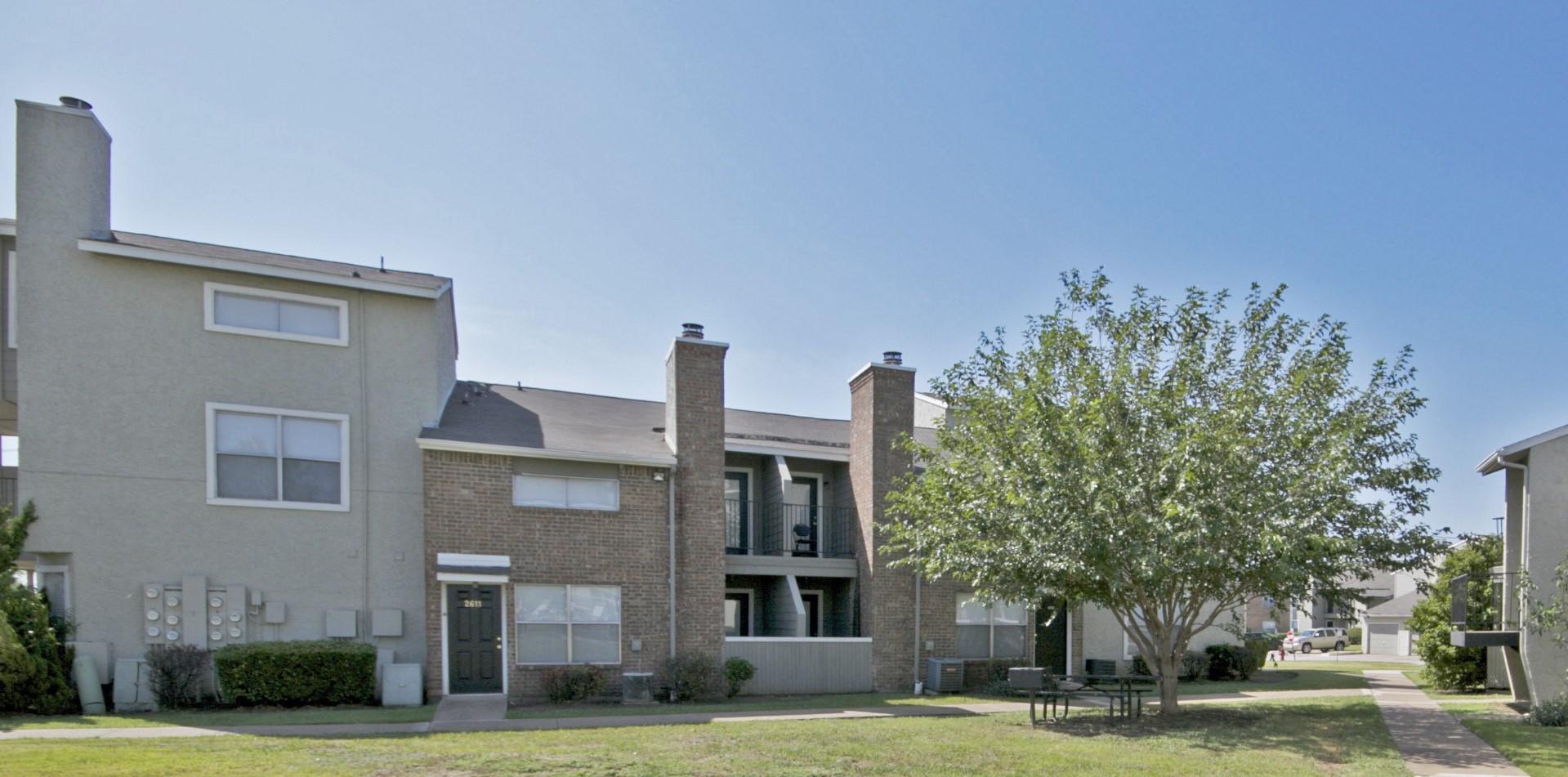 Affordable Apartments at Quail Ridge Apartments in Grand Prairie, Texas