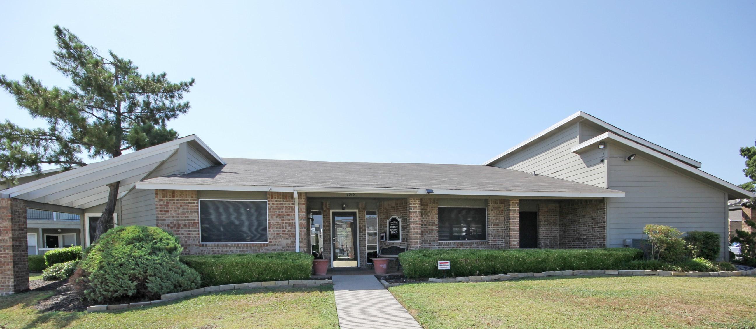 Grand Prairie Apartment Rentals at Quail Ridge Apartments in Grand Prairie, Texas