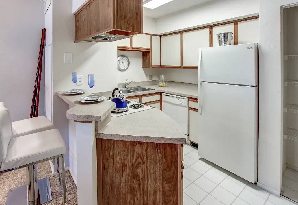 White Appliances at Reflections of Boca Del Mar Apartments in Boca Raton, Florida