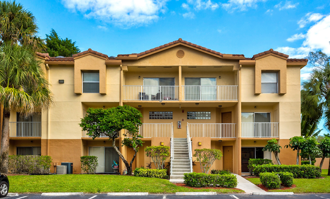 Apartments for Rent  at Reflections of Boca Del Mar Apartments in Boca Raton, Florida