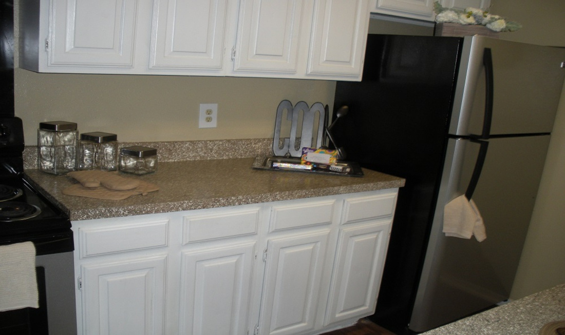 Contemporary Kitchen at Regal Crossing Apartments in Dallas, Texas