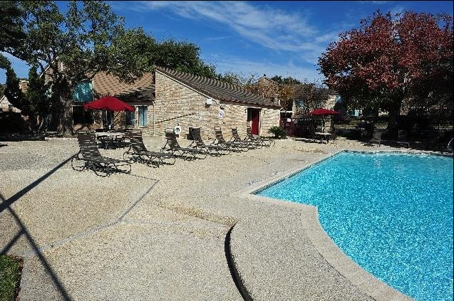 Sparkling Pool at Regatta Apartments in San Antonio, TX
