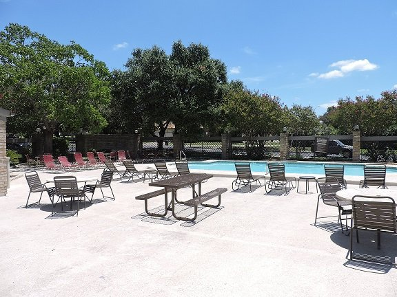 Serene Community at Regatta Apartments in San Antonio, TX