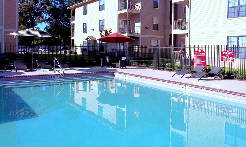 Sparkling Pool of Reserve at Jefferson Crossing Apartments in Baton Rouge, LA