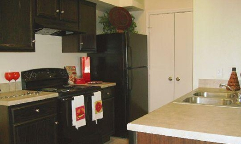 Kitchen Interior at the Reserve at Jefferson Crossing Apartments in Baton Rouge, LA