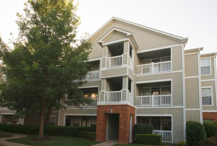 Exterior View at the Reserve At Steele Crossing in Fayetteville, AR