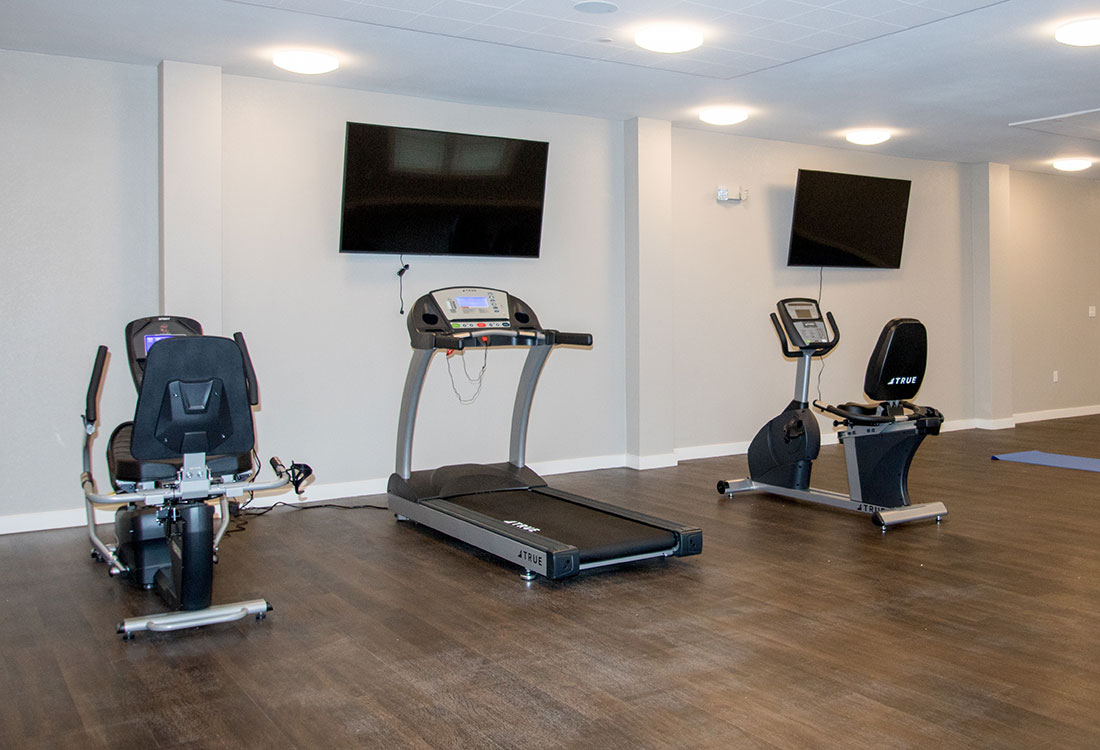 Fitness Room at the Residence of Arbor Grove - Apartments in Arlington, TX