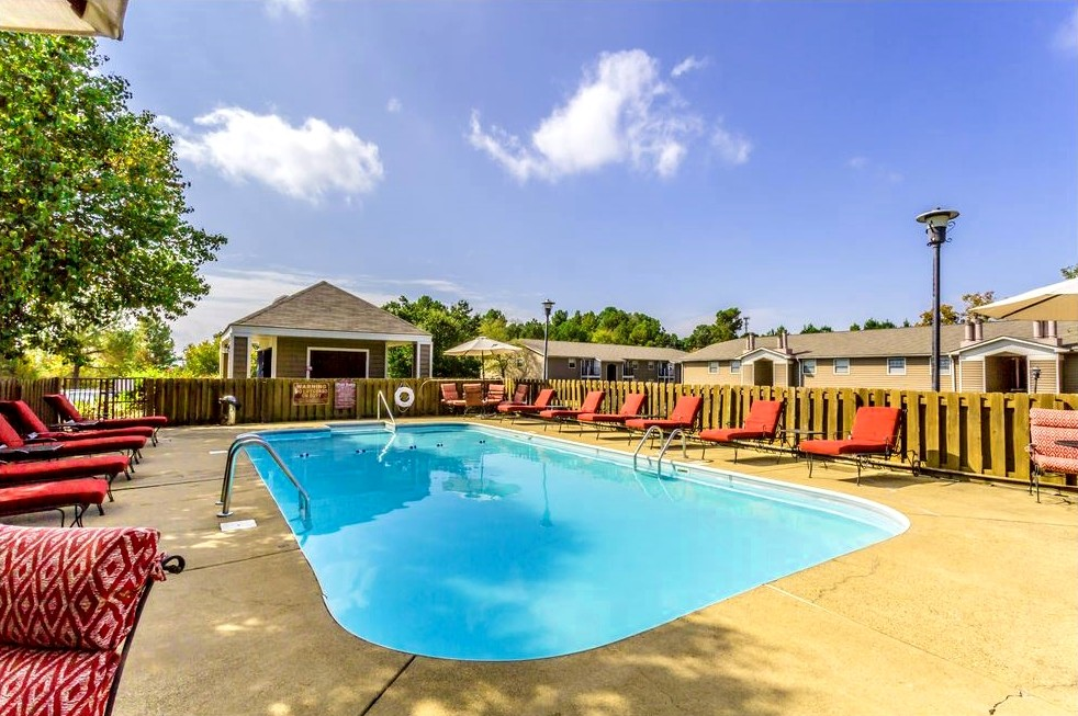Resort-Style Pool at Ridgewood Apartments in Hot Springs, Arkansas
