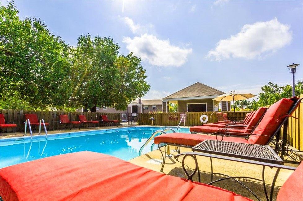 Lounge Furniture at Ridgewood Apartments in Hot Springs, Arkansas