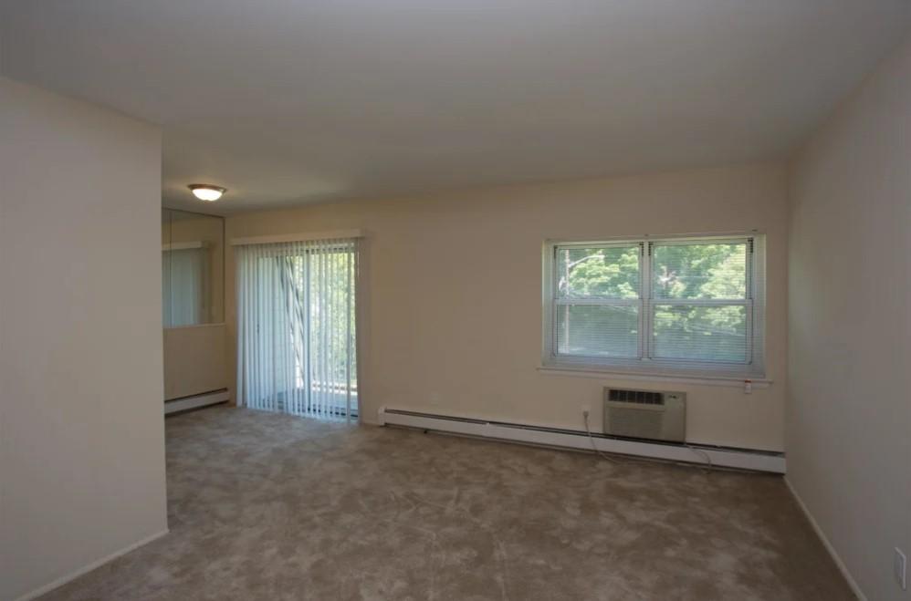 Carpet Flooring at River Edge at Nyack Apartments in Nyack, NY