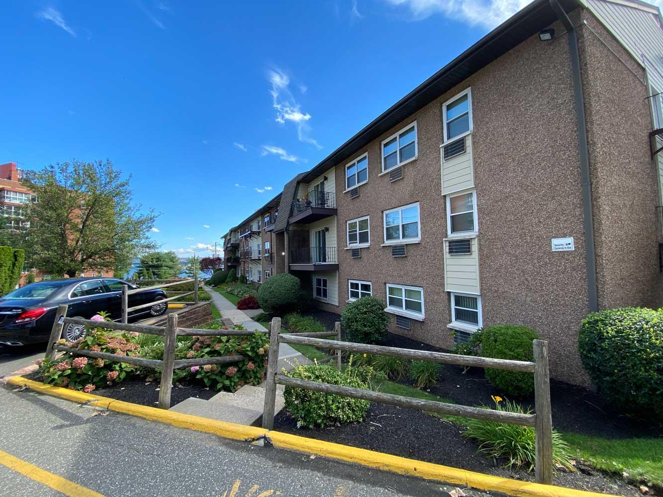 Apartments for Lease at River Edge at Nyack Apartments in Nyack, NY