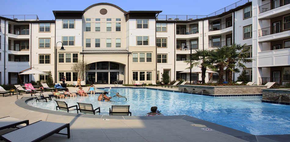 Resort-Style Swimming Pool at Riverhouse Apartments in Little Rock, Arkansas