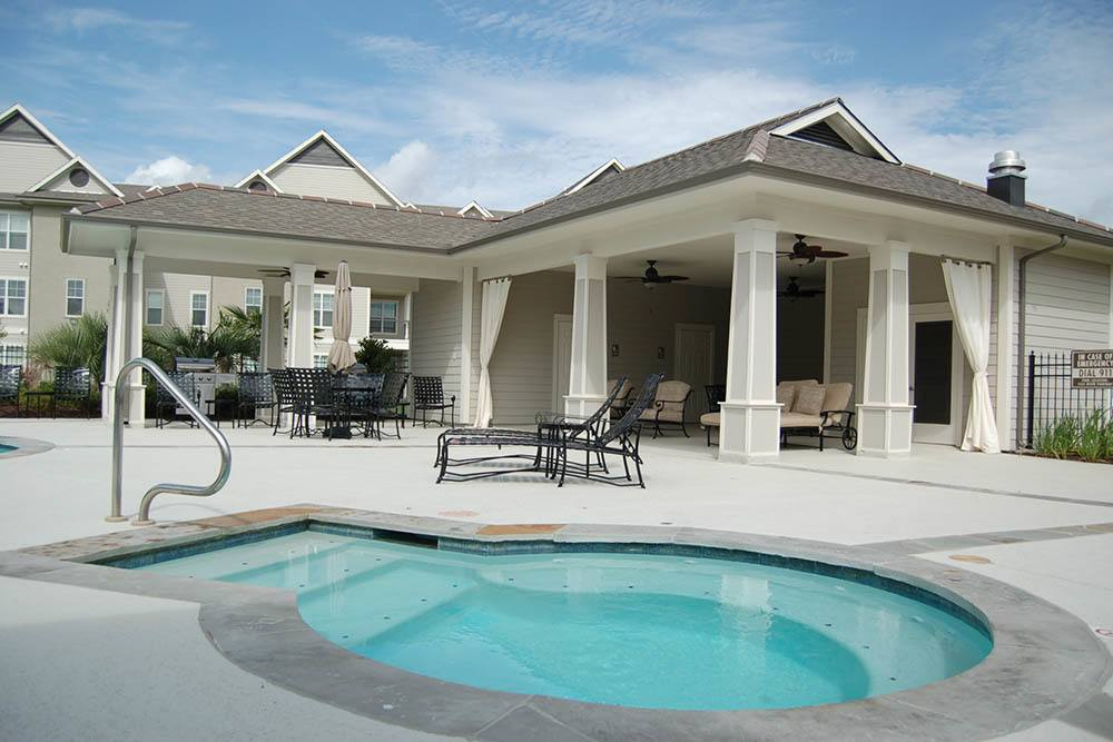 Poolside Cabana at RiverScape Apartments in Shreveport, Louisiana