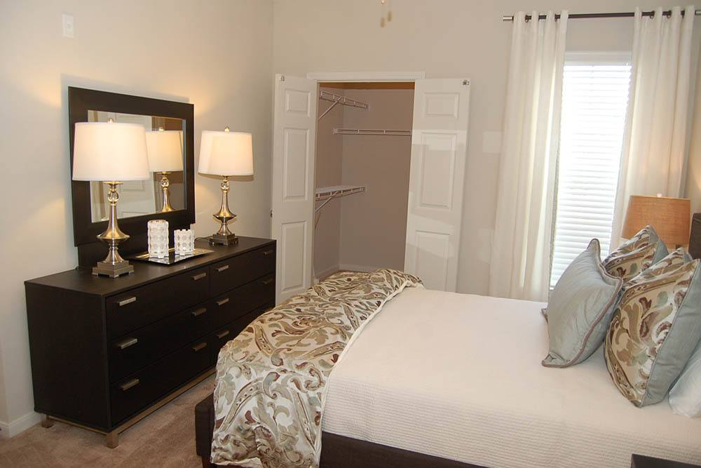 One, Two and Three-Bedroom Apartments at RiverScape Apartments in Shreveport, Louisiana