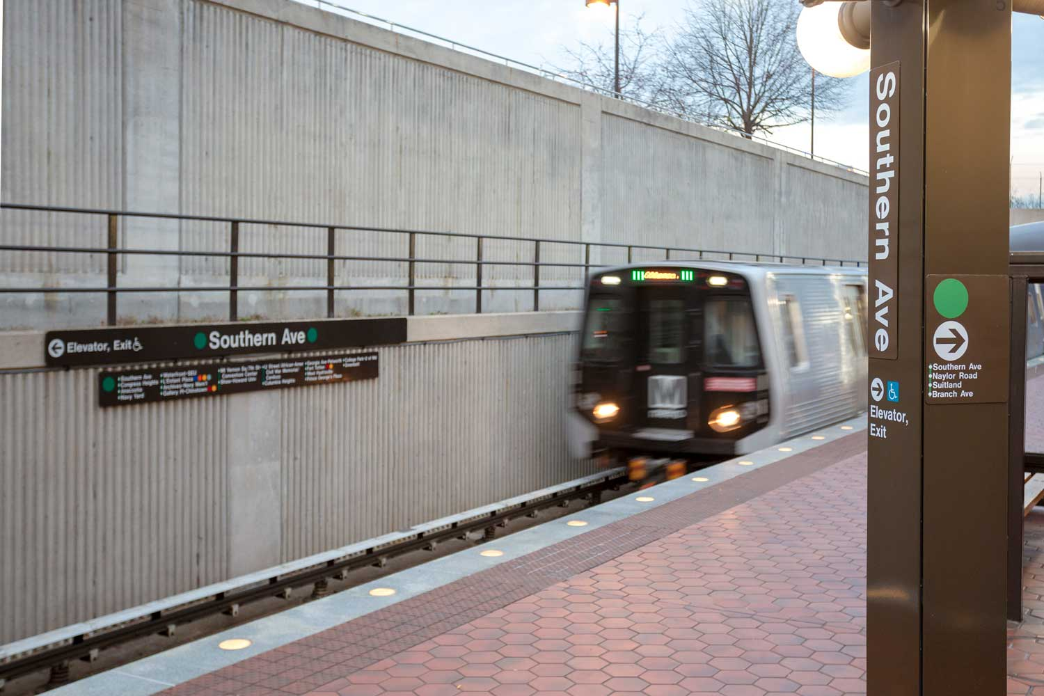 10 minutes to Green Line Southern Ave DC Metro station