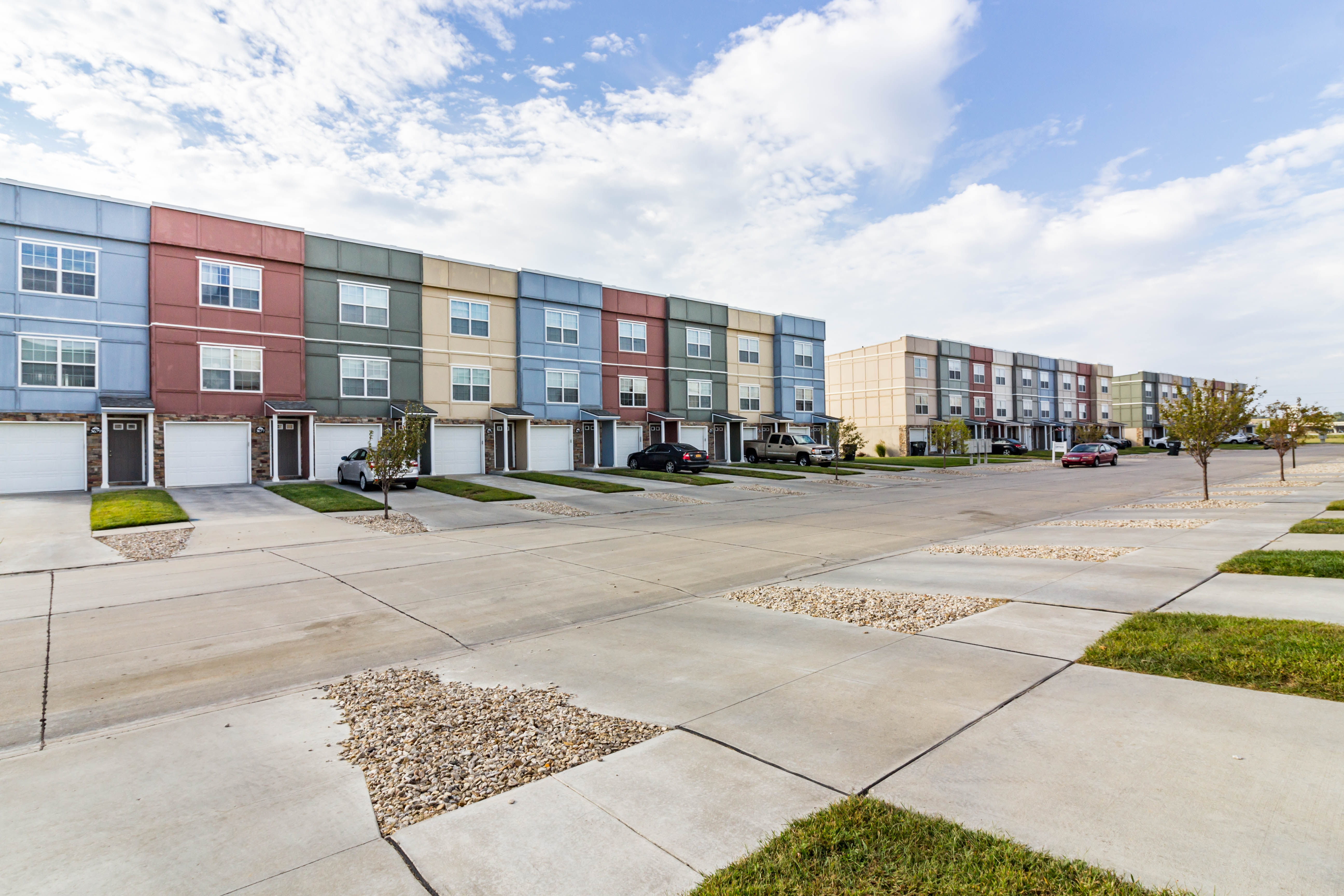 River Trail Apartments - Floorplan - White Suites
