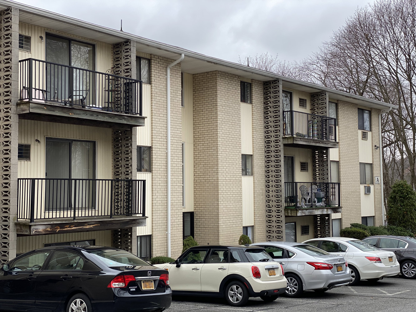 Peaceful Apartment Community at Riverview at Nyack Apartments in Nyack, New York