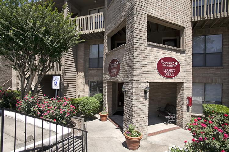 Leasing Office - Riverwalk Apartments in Houston, TX