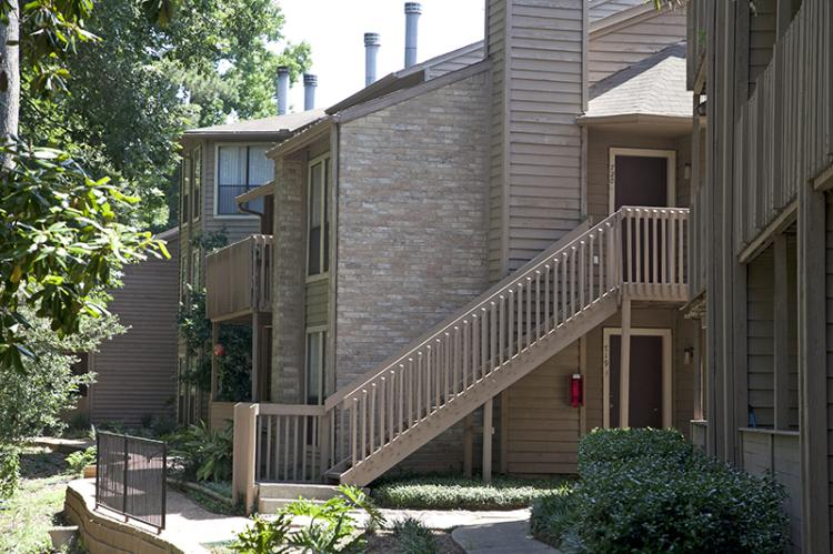 Exterior View - The Riverwalk Apartments in Houston, TX