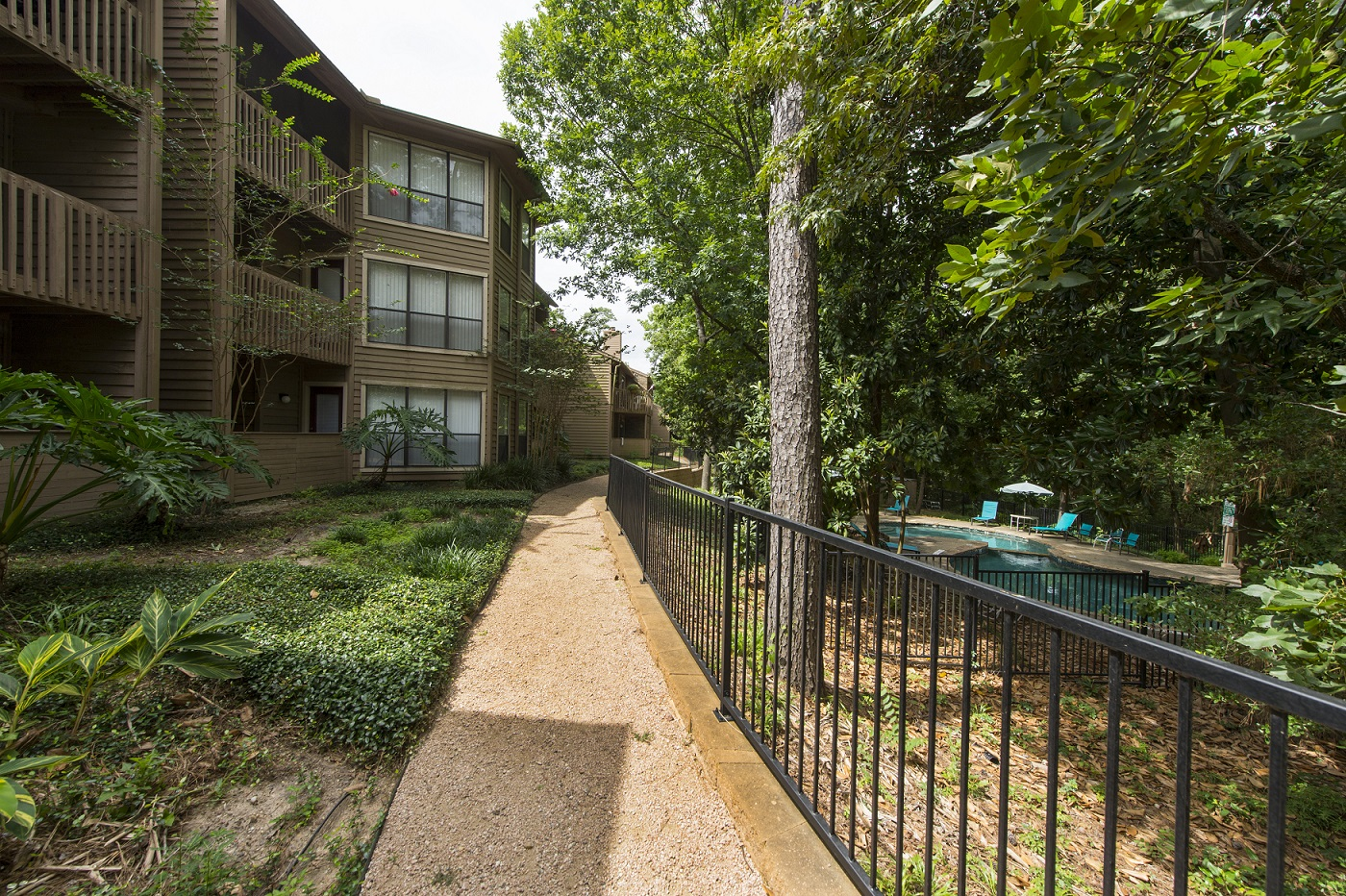Nature Trail - Riverwalk Apartments