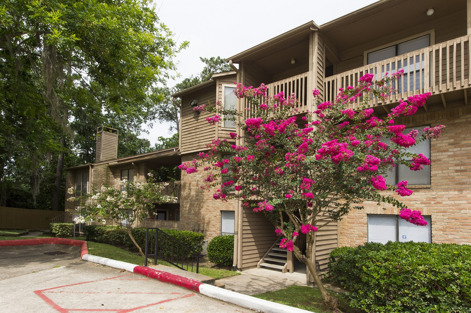 Exterior View - Riverwalk Apartments