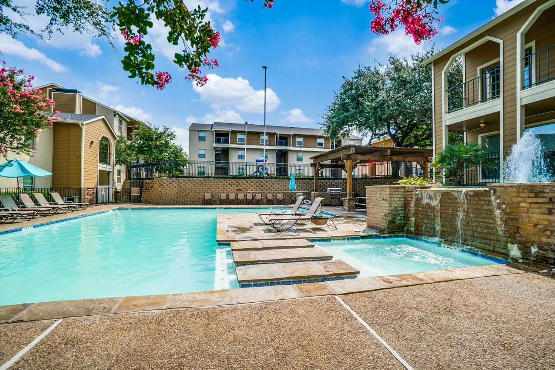 Sun Deck at Riviera Apartments in Dallas, Texas