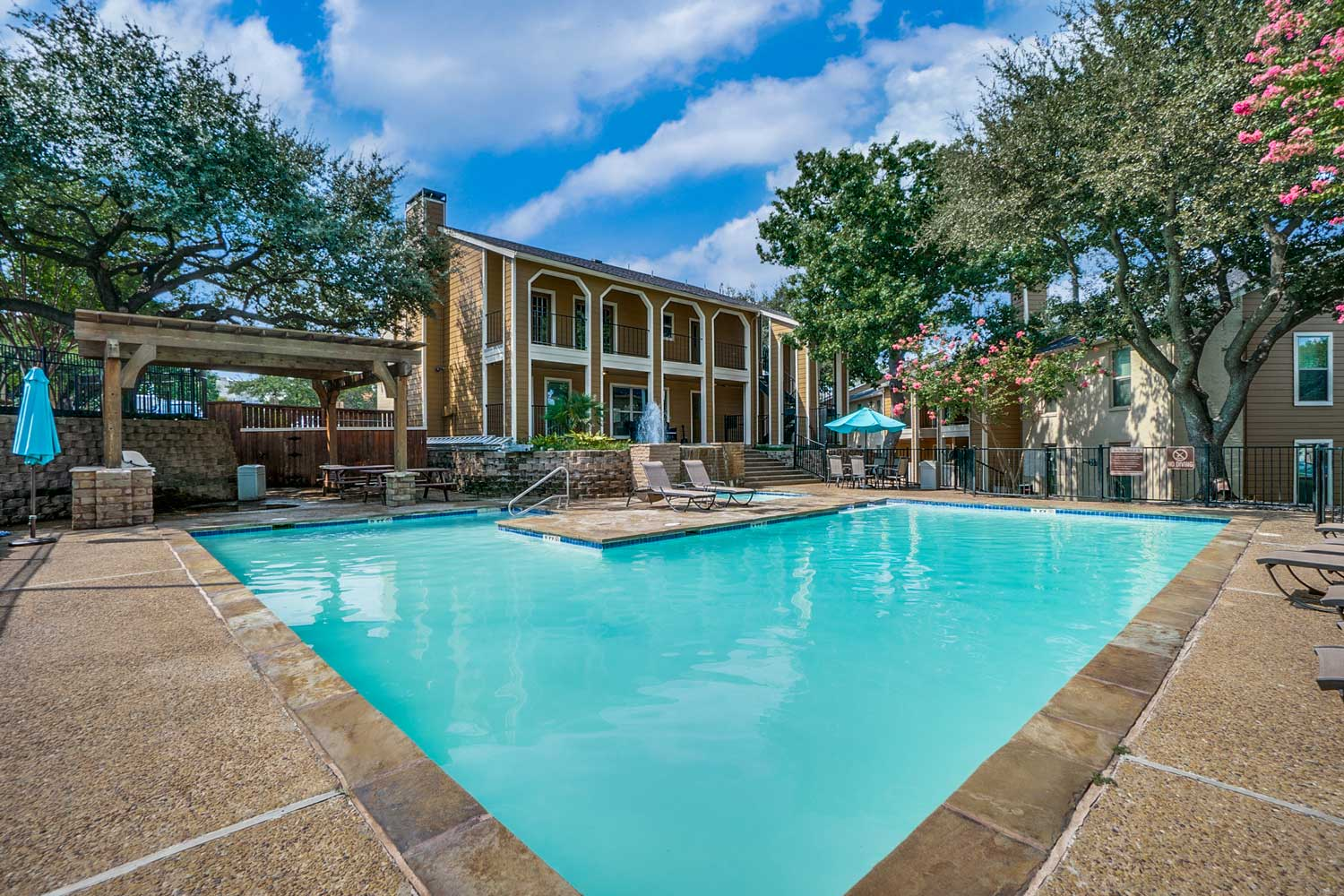 Resort Style Swimming Pool at Riviera Apartments in Dallas, Texas