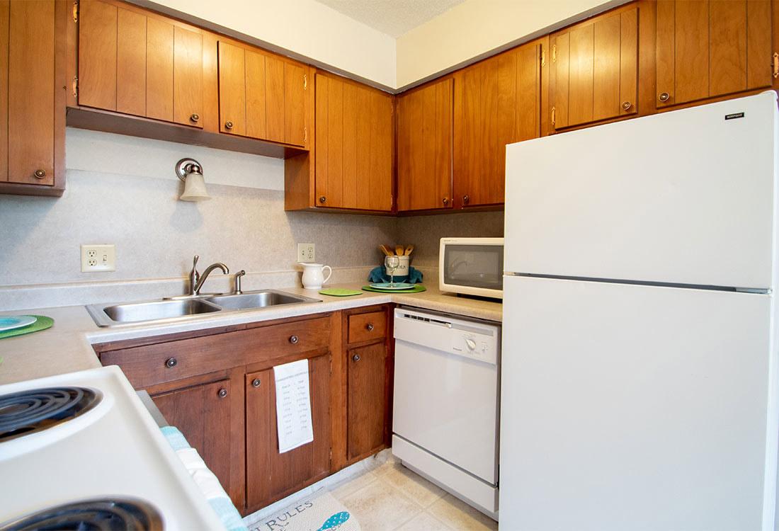 White Appliances at Pinehill Park Apartments in Bellevue, NE
