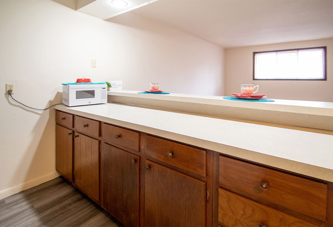 Kitchen with tons of Counterspace  at Royal Oaks Apartments in Bellevue, NE
