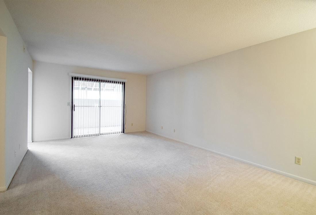 Large Floor Plan at Pinehill Park Apartments in Bellevue, NE