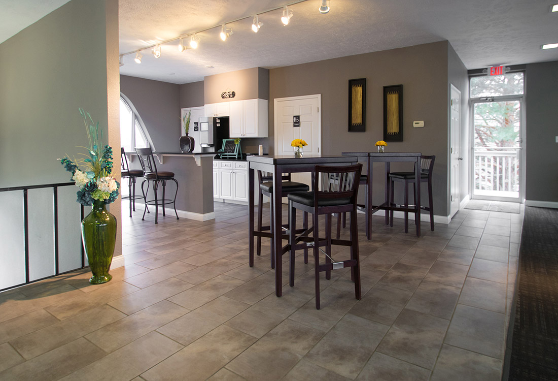 Modern Apartment Rentals at Royalwood Apartments in Omaha, Nebraska