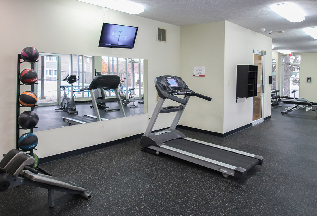Community Gym at Royalwood Apartments in West Omaha, Nebraska
