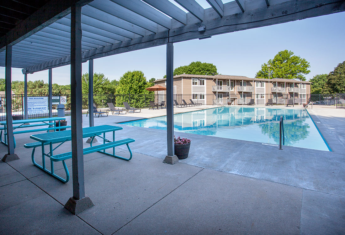 Swimming Pool Patio at Royalwood Apartments in West Omaha, Nebraska