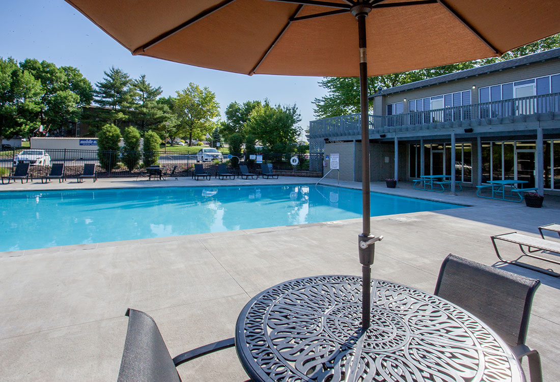 Swimming Pool at Royalwood Apartments in West Omaha, Nebraska
