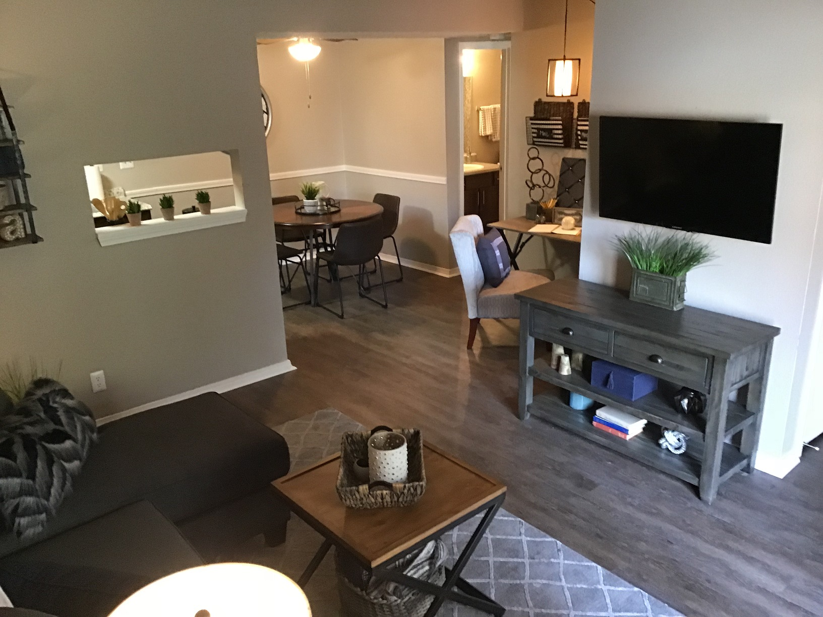 Spacious Floor Plan at Rustic Woods Apartments in Tulsa, Oklahoma