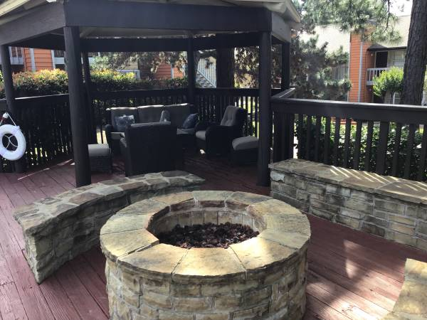 Relaxing Area at Rustic Woods Apartments in Tulsa, Oklahoma